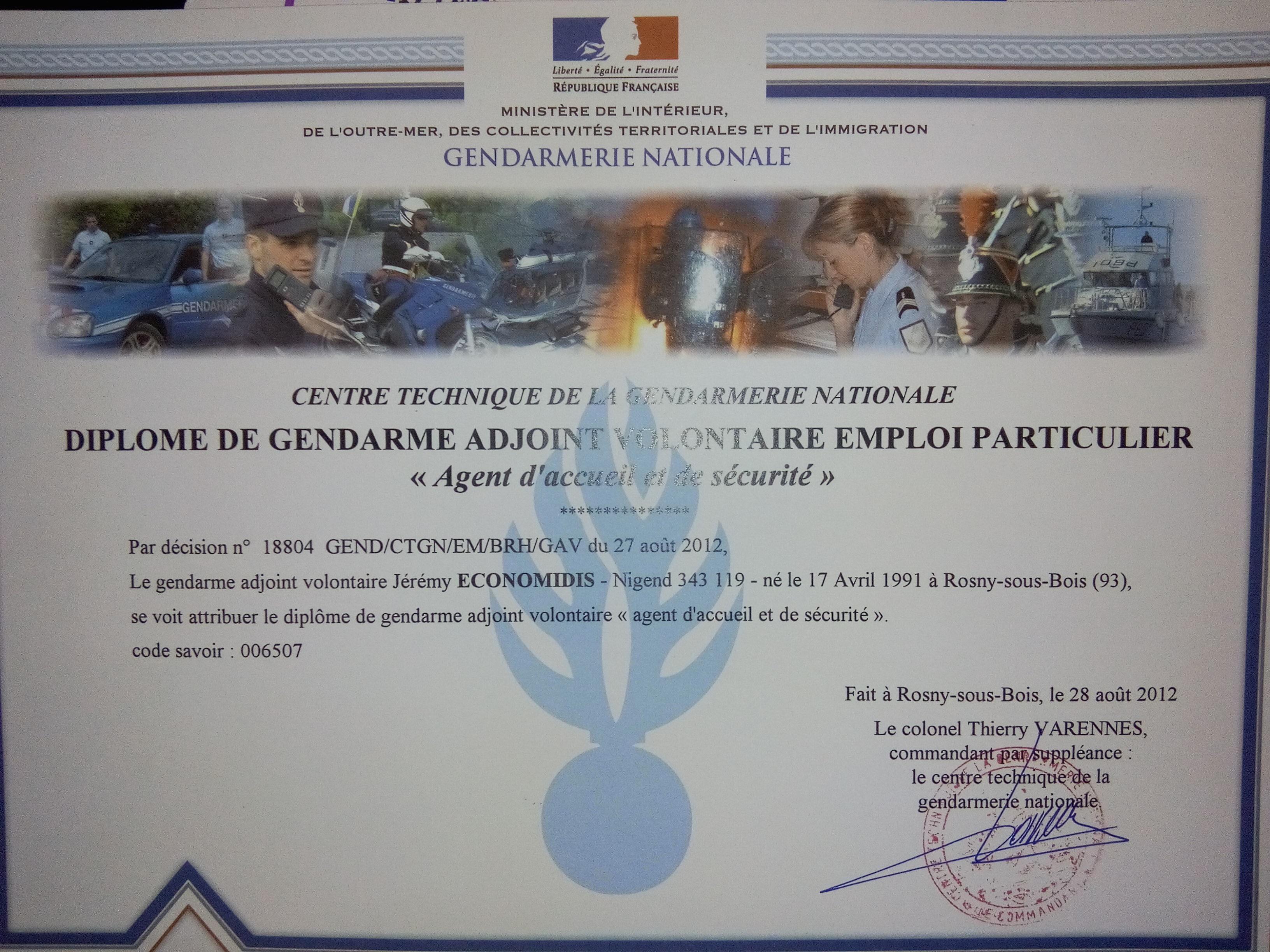 j u00e9r u00e9my economidis - gendarme adjoint volontaire